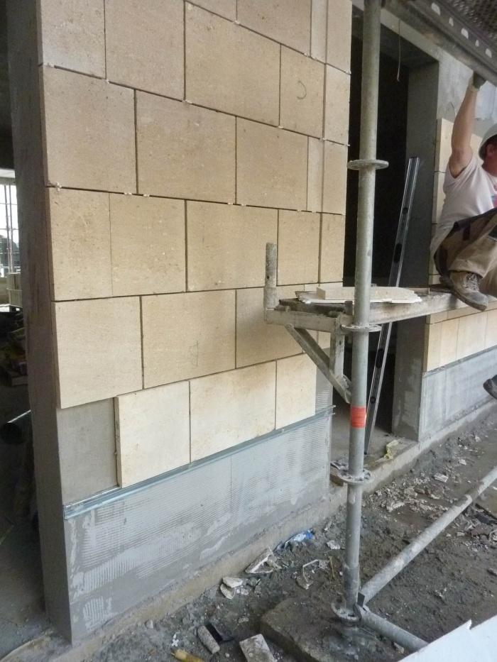 Construction d'un immeuble neuf à Bordeaux : Placage pierre