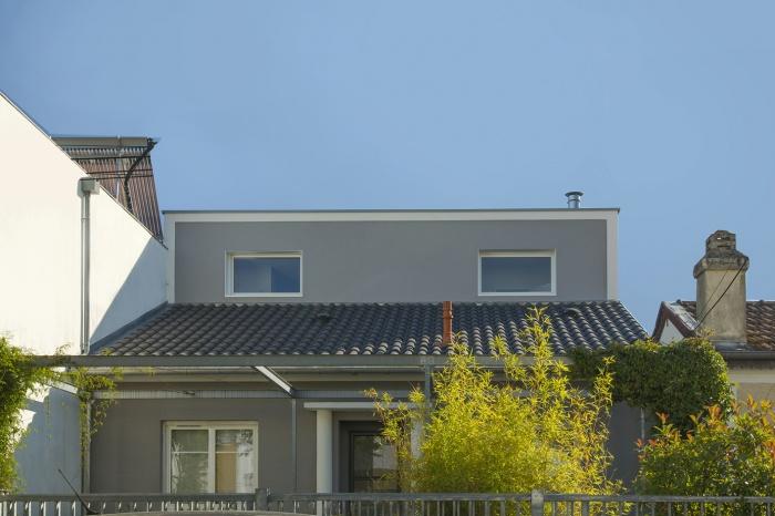 Surélévation d'une maison d'habitation : vue avant