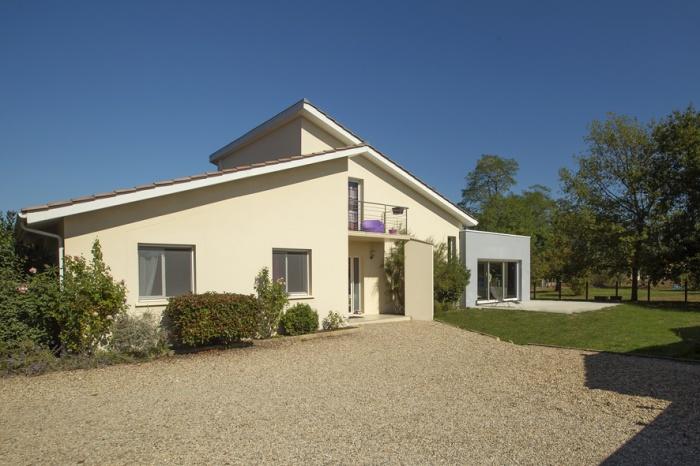 Extension et réaménagement d'une maison d'habitation : vue extérieure 2