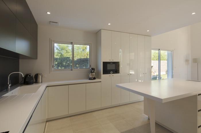 Extension et réaménagement d'une maison d'habitation : cuisine 1