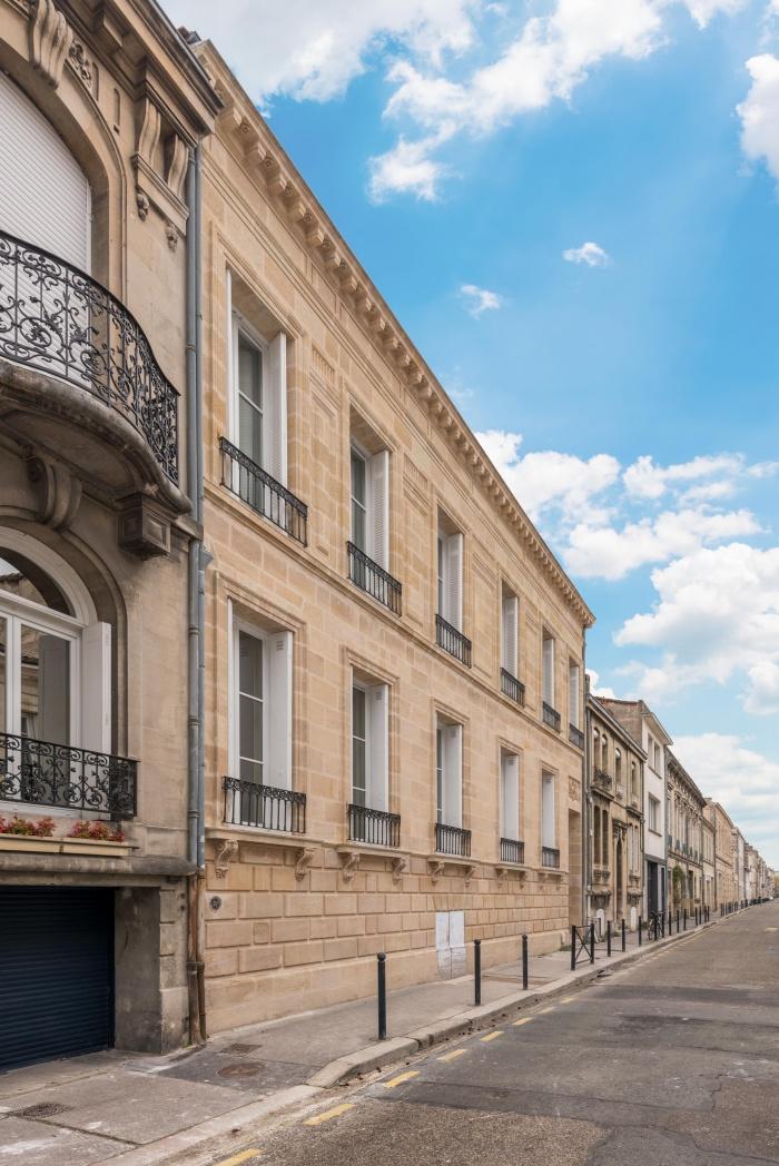 Réhabilitation, surélévation et extension d'un immeuble à Bordeaux