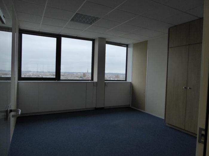 Réaménagement d'un plateau de bureaux seventies à Bordeaux 2017 : P1030401.JPG