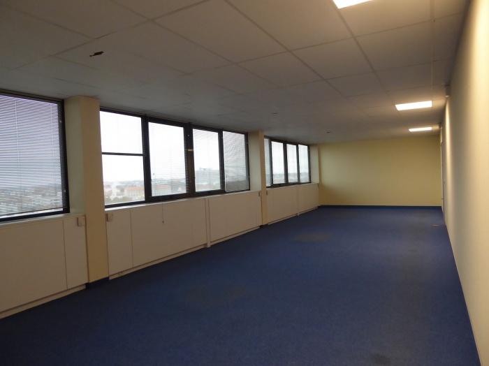 Réaménagement d'un plateau de bureaux seventies à Bordeaux 2017 : P1030421.JPG