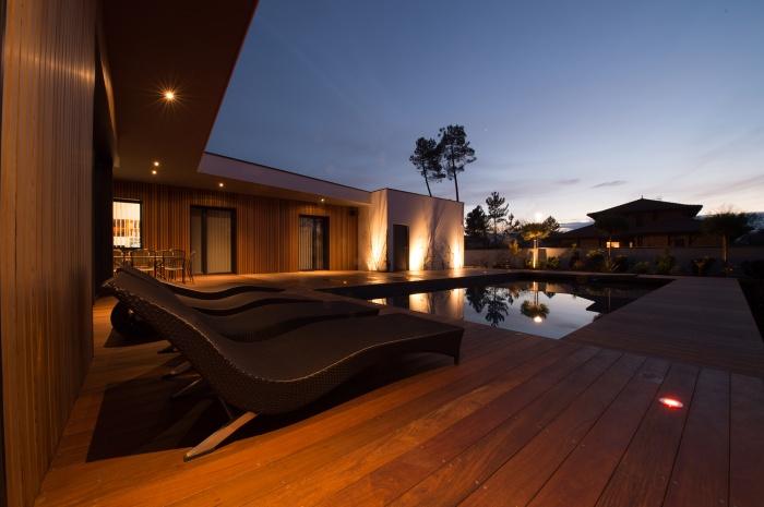 Maison contemporaine sur le bassin : 6f4c4fc313a24018e86b4bd07c01c85b.jpeg