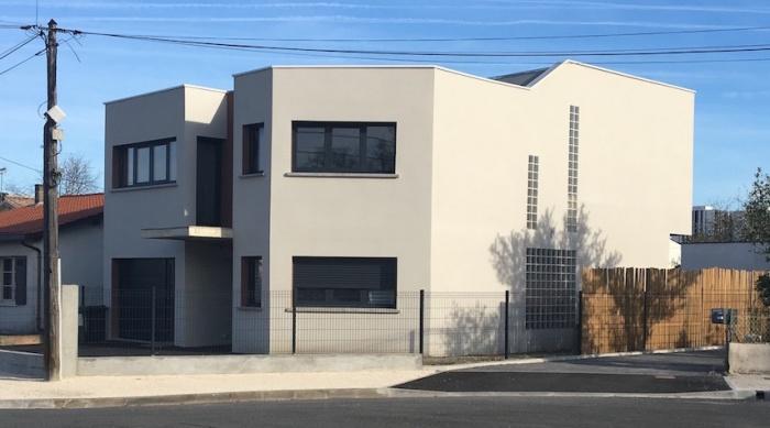 Construction maison contemporaine à Pessac respectant la RT 2012 : image_projet_mini_94415