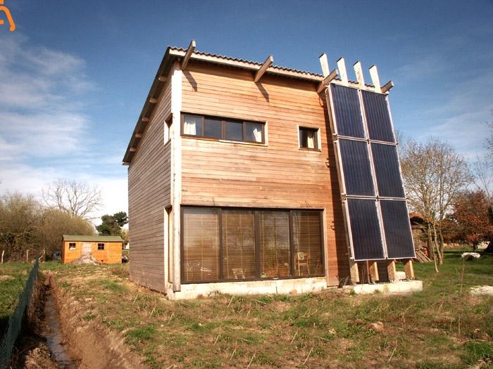 Petite maison bois solaire à St-Mariens