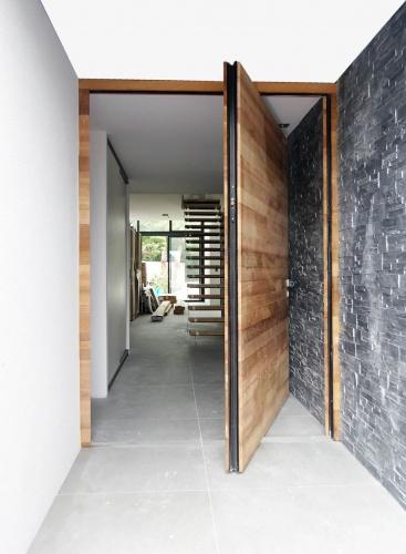 Maison neuve à Villenave d'Ornon : porte entrée