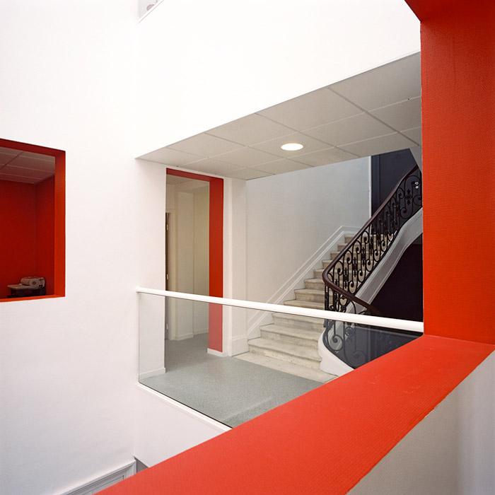 intérieur d'immeuble , escalier