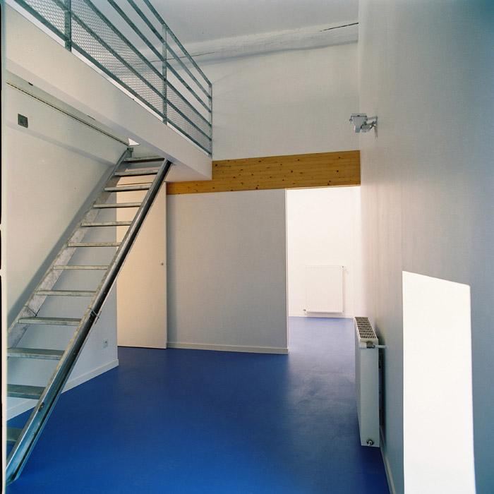 Architectes transformation d 39 une ancienne for Interieur yourte contemporaine